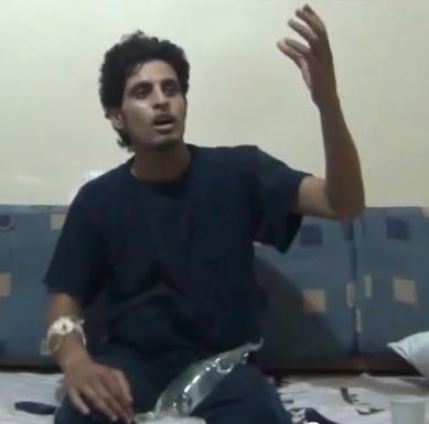 البطل عبد الباسط الساروت وهو ينشد لأجل عيونك يا حمص